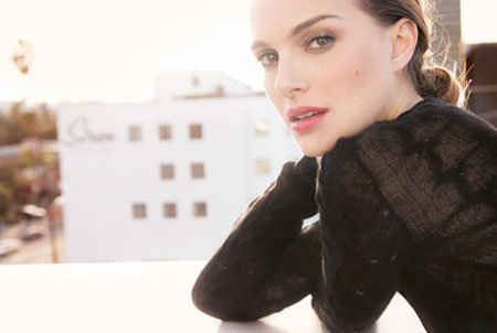 Natalie-Portman-Dior-lipstick
