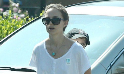 Exclusive... Natalie Portman & Family Out For Breakfast In Los Feliz