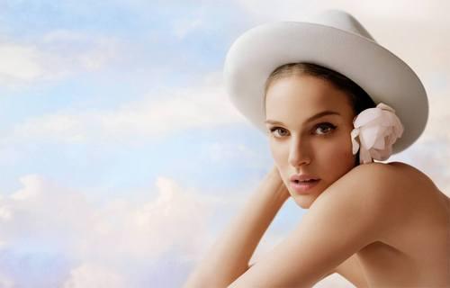 Natalie Portman Dior Air