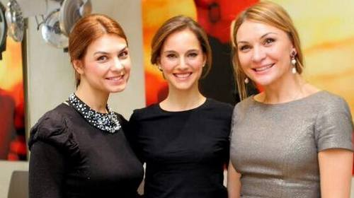 Natalie Portman visits Moscow hair salon