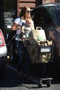 More Shopping Candids